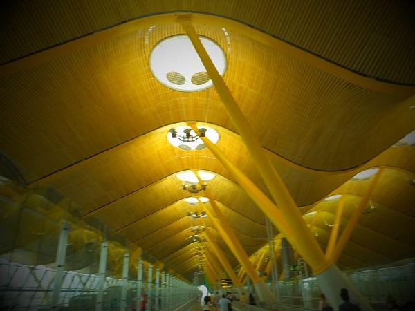 スペインマドリードバラハス空港00_1日目① スペイン・マドリード到着_ある日本人観光客のスペイン旅行記