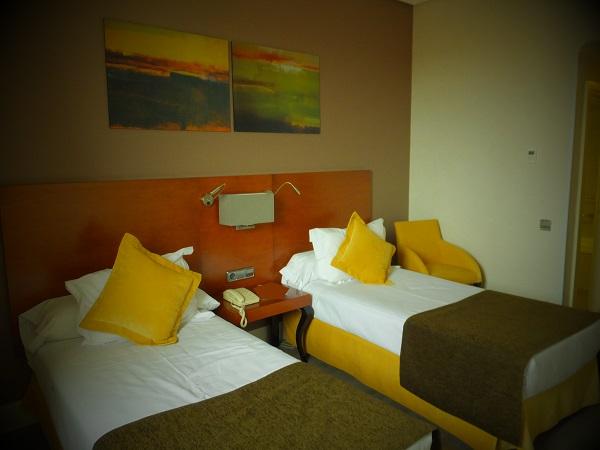 ホテル室内02_1日目① スペイン・マドリード到着_ある日本人観光客のスペイン旅行記