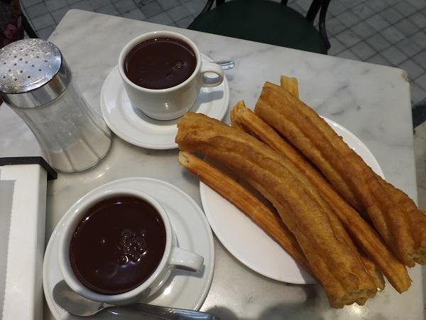 チョコラテコンチュロス01_3日目4サンヒネス_ある日本人観光客のスペイン旅行記