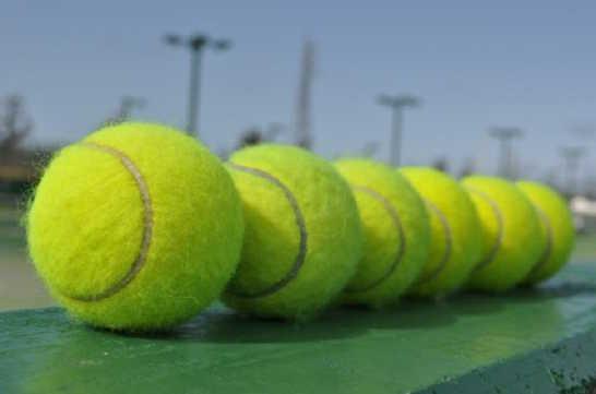 テニスボール01_ニュース錦織テニス_ある日本人観光客のスペイン旅行記