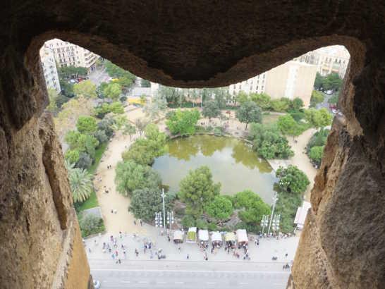 サグラダファミリア02逆さサグラダファミリア_バルセロナ5-5ある日本人観光客のスペイン旅行記