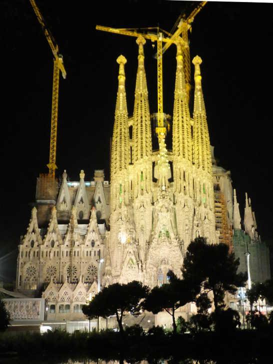 サグラダファミリア夜景11_バルセロナ_ある日本人観光客のスペイン旅行記