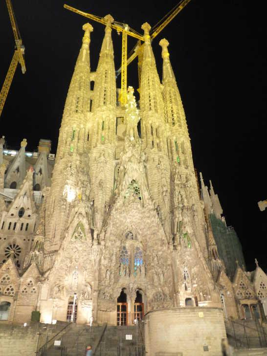 サグラダファミリア夜景00_バルセロナ_ある日本人観光客のスペイン旅行記