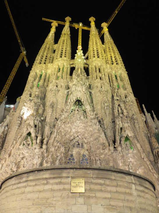 サグラダファミリア夜景01_バルセロナ_ある日本人観光客のスペイン旅行記